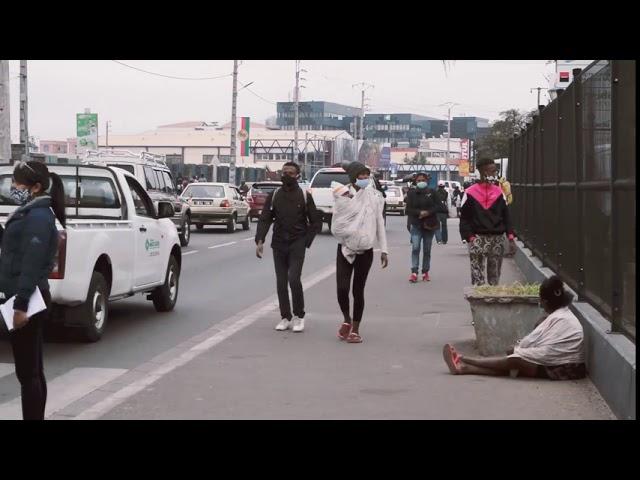 Mtatitra, le transport mobile des courses sur Tana